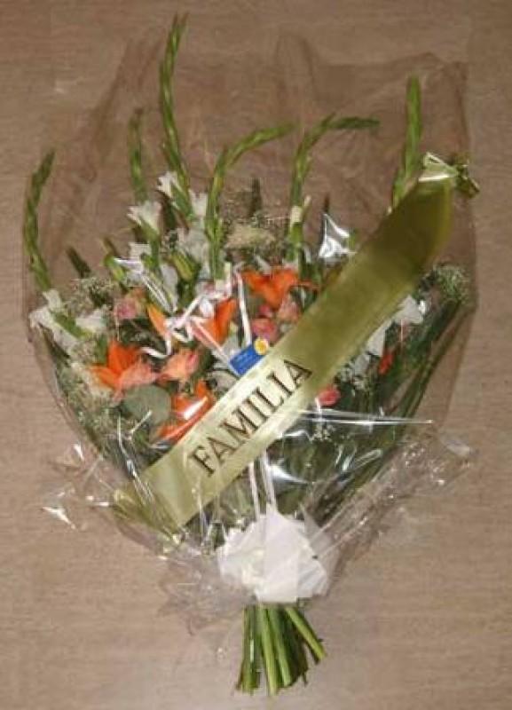 Ramo de flor variada con cinta - Foto principal