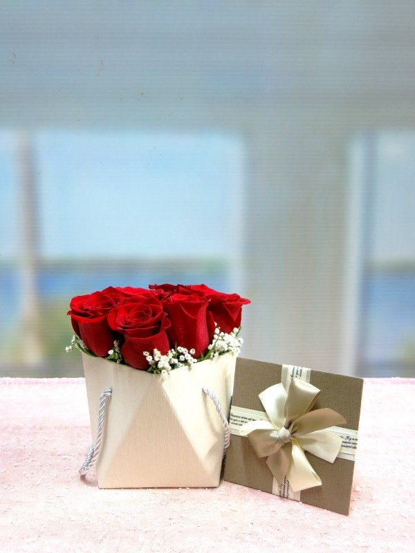 Original box with 6 Roses to send home - Foto 3