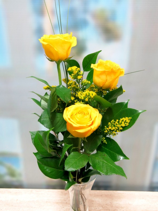 Bouquet of 3 yellow roses - Foto principal