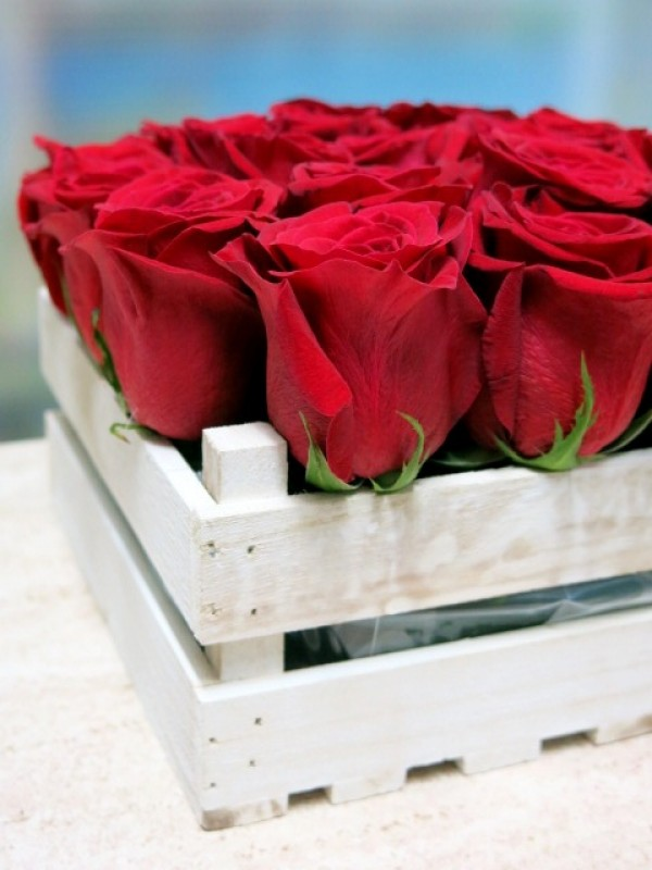 20 rosas en caja de madera - Foto 3